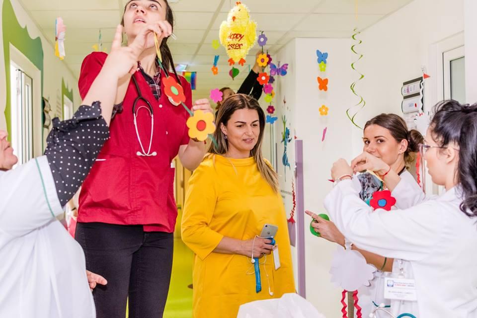 Asociația Dăruiește Aripi decorează Secția de Pediatrie  din Spitalul Județean Constanța